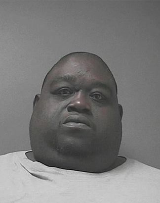 Obèse, il cachait de la drogue dans ses bourrelets