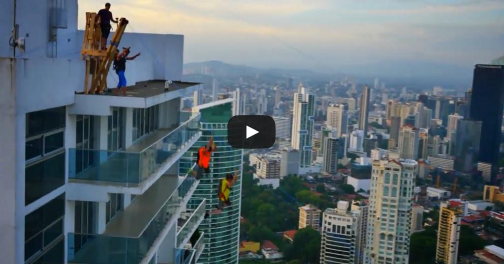 Vidéo: La plus grande tyrolienne du monde