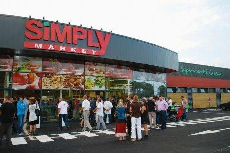 Des clients se retrouvent dans un supermarché fantôme