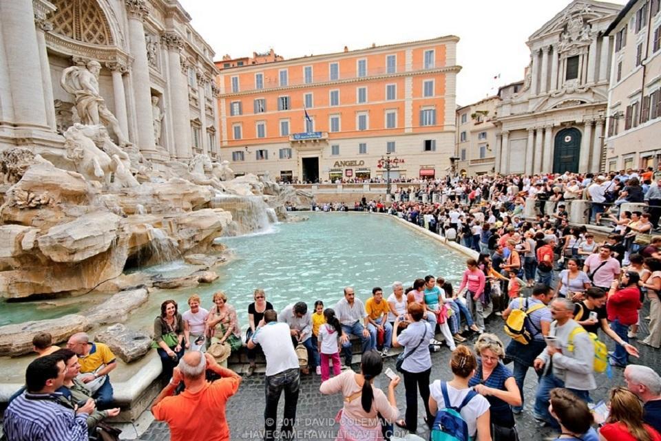 ... cernée par les touristes