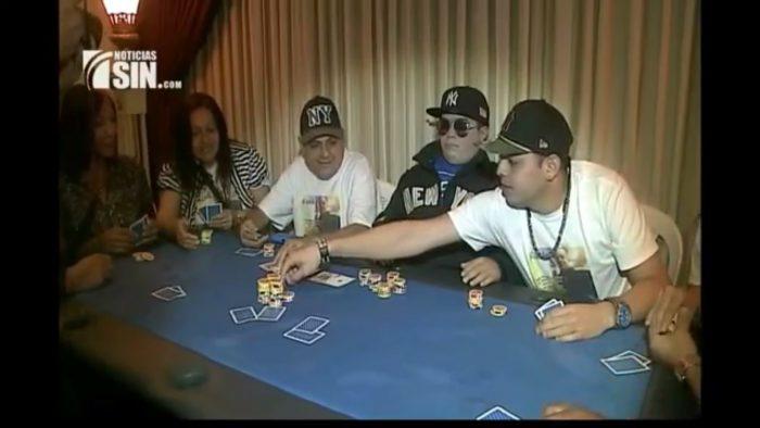 Ils font jouer un mort au poker