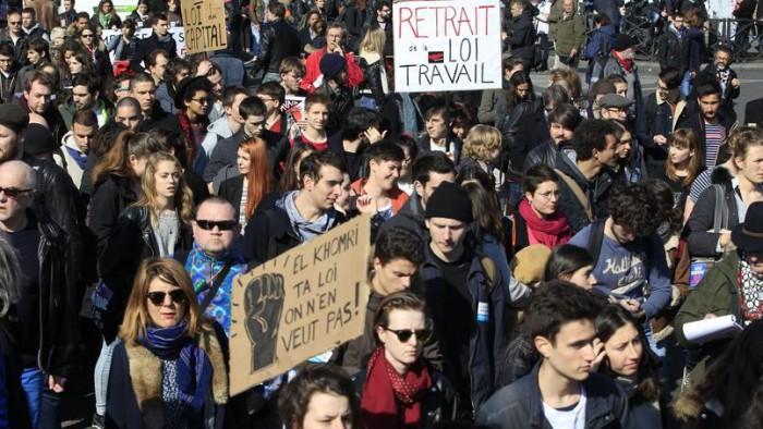 Les étudiants grévistes réclament la moyenne aux examens