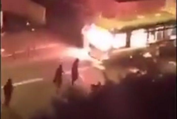 Vidéo: Un bus attaqué à Saint-Denis