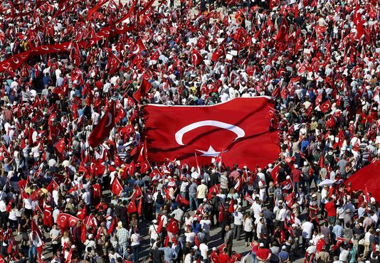 Turquie: Les violeurs de mineurs relaxés s'ils se marient avec leur victime