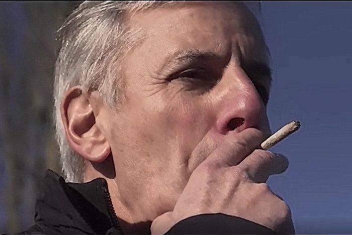 Comme enlever le ventre après a cessé de fumer