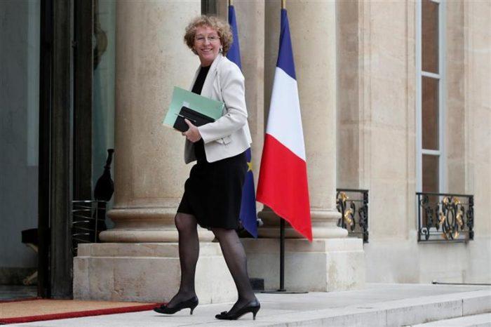 La ministre du travail devenue millionnaire grâce à un plan massif de licenciements