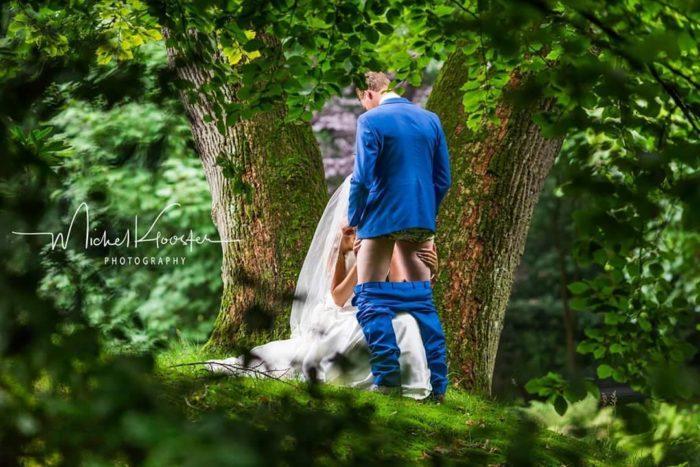 Il se fait pomper sur sa photo de mariage
