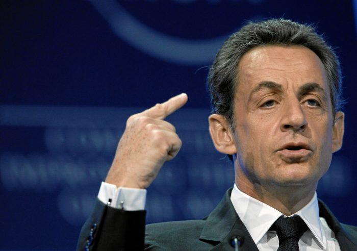 Trop turbulent, Sarkozy se fait virer de sa loge lors de Barça-PSG