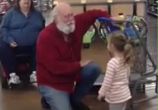 Une petite fille prend un inconnu pour le Père Noël qui se fait alors passer pour lui