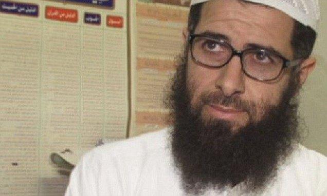 L'imam de Cologne estime que les femmes violées le 31 décembre n'avaient qu'à pas s'habiller comme cela et mettre du parfum