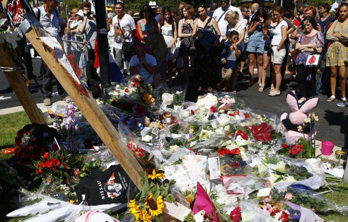 Il ramassait les biens des victimes des attentats de Nice et les revendait sur internet