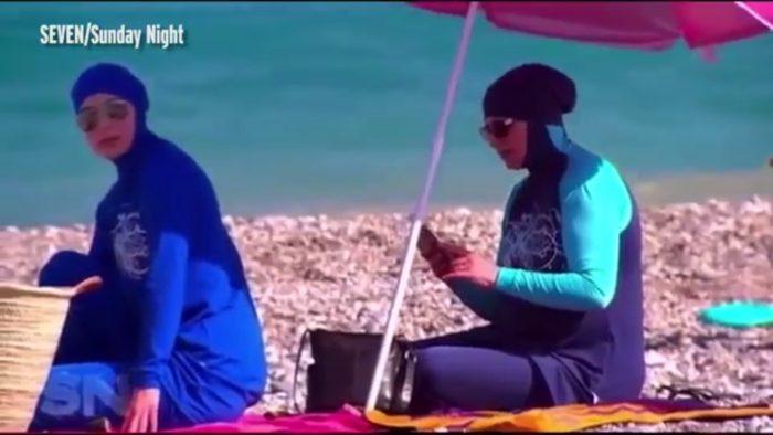Une fausse chasse au burkini mise en scène pour truquer un reportage australien
