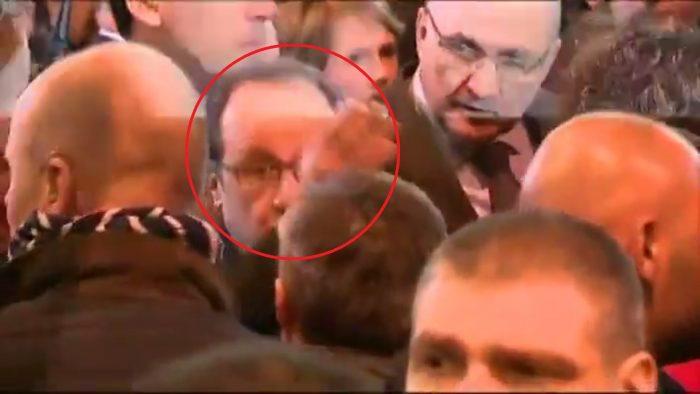 Les médias ont menti: Hollande a été très chahuté pendant sa visite au salon de l'agriculture